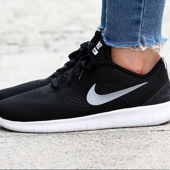 new product 5497f e8c22 Nike free run women s shoes running black white